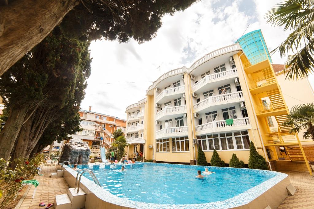 Отель «Кипарис» в Адлере в нескольких минутах от пляжа
