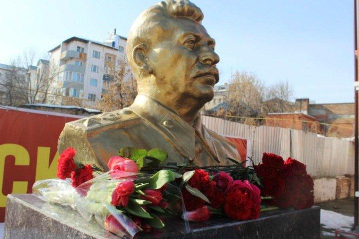 Ложкин о памятнике Сталину: «Все имеют право на законные инициативы, но они должны обсуждаться обществом»