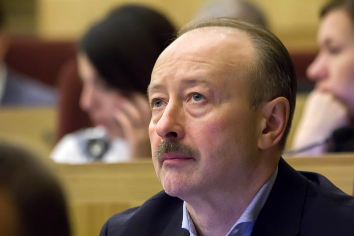 «Простые тараканы исчезли»: вышки сотовой связи рассорили новосибирских депутатов с правительством