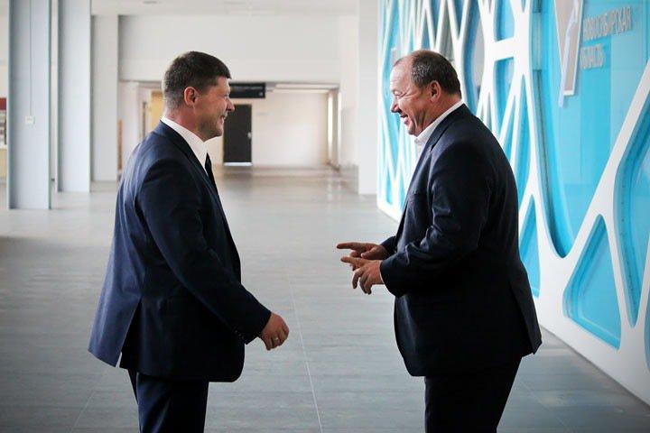 «У меня есть три вопроса, но задавать их я, конечно, не буду»: новосибирские депутаты одобрили проект бюджета