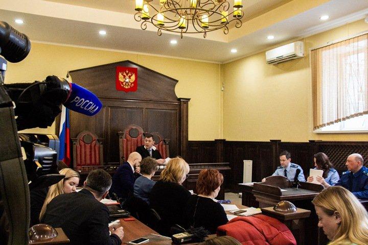 Кемеровский магнат Щукин покупал кареты «Скорой» и BMW для генерала с одного счета