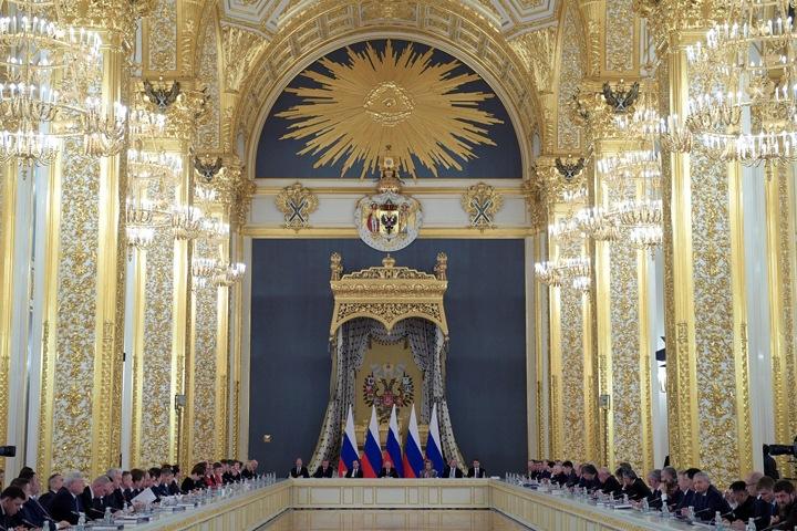 Землю — Томенко, науку — Травникову: сибирских губернаторов расставили в Госсовете