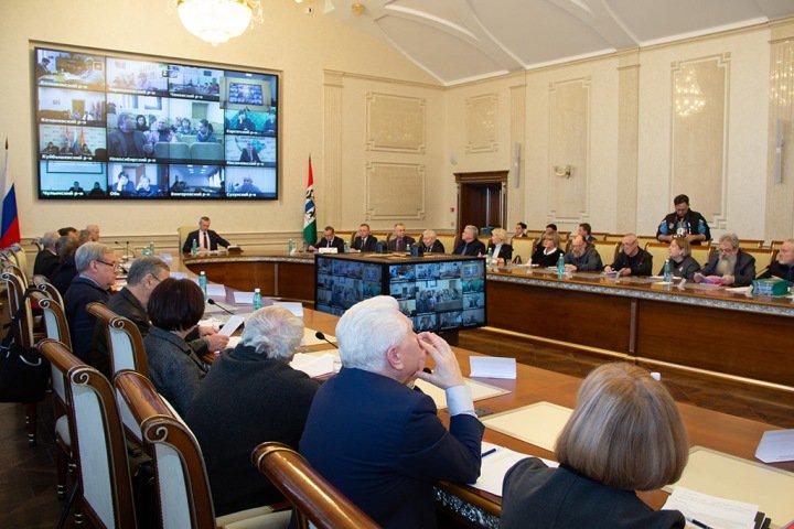 Совет по культуре попросил Травникова о стипендии одаренным иностранным студентам