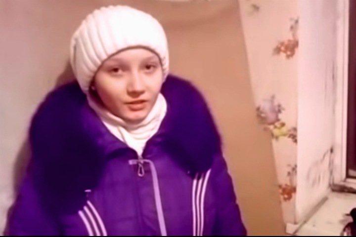 Власти дали новосибирской сироте с детьми квартиру в ветхом доме и подали на нее в суд за ремонт