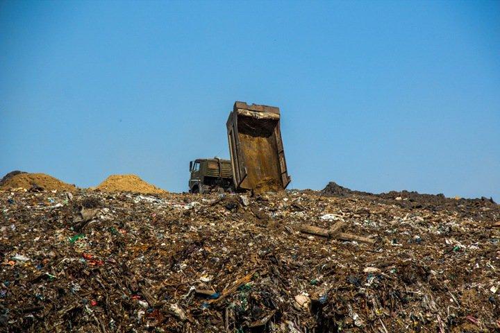 Правительство Бурятии готово ввести режим ЧС из-за отказа мусорного оператора работать в республике