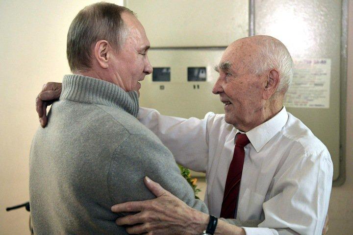 Красноярские журналисты рассказали о шефе Путина в КГБ