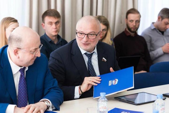 Красноярский сенатор не ответил, как ему живется на «бездуховном Западе»