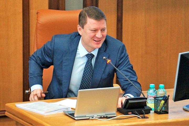 Красноярского мэра оставили без повышения зарплаты