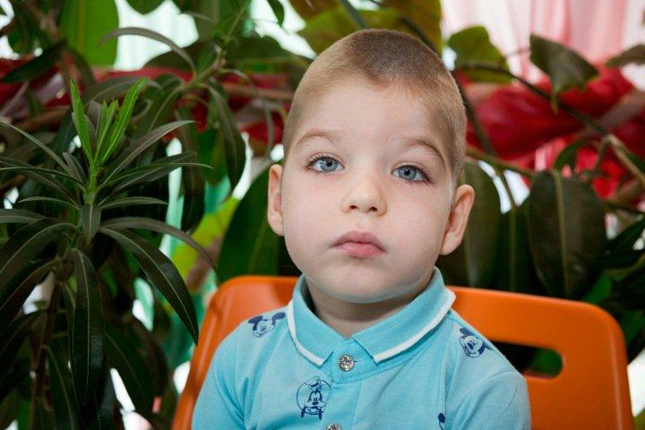 Маленькому новосибирцу Саше Гагарину снова нужно дорогое лекарство