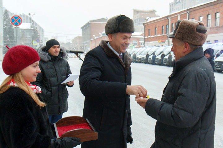 Новосибирские больницы получили новые автомобили скорой помощи