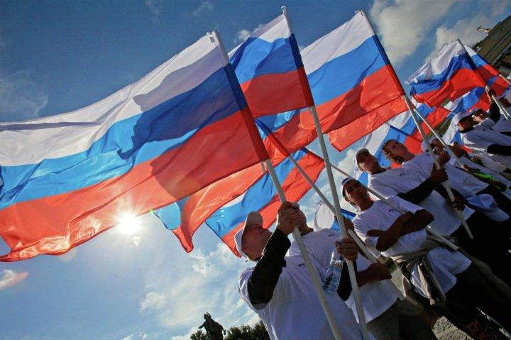 «Антимосковские» губернаторы, поиск альтернатив Путину и новые партии. Главные вызовы для российской власти