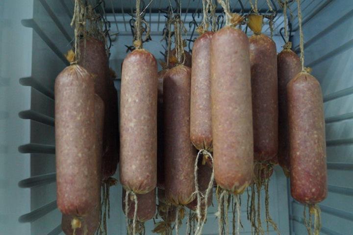 Томская колония наладила выпуск колбасы