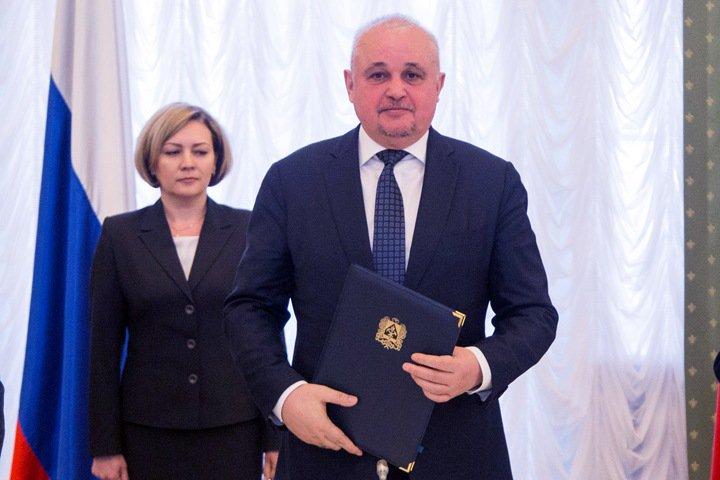 Глава Кузбасса призвал женщин «отмыть» окна для благоустройства городов