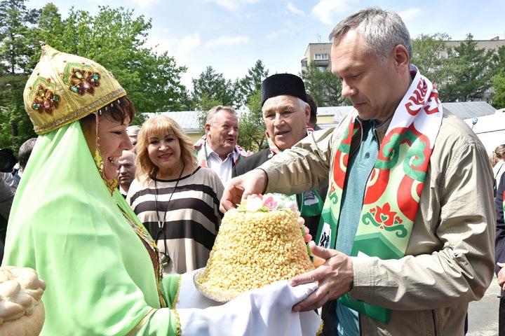 Мобильная приемная губернатора будет работать во всех районах Новосибирской области