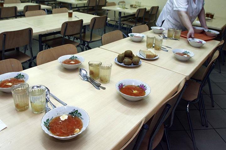 Комиссия в Кемерове опровергла информацию о голодных обмороках у школьников