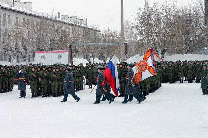Военная техника насмерть переехала солдата на Алтае