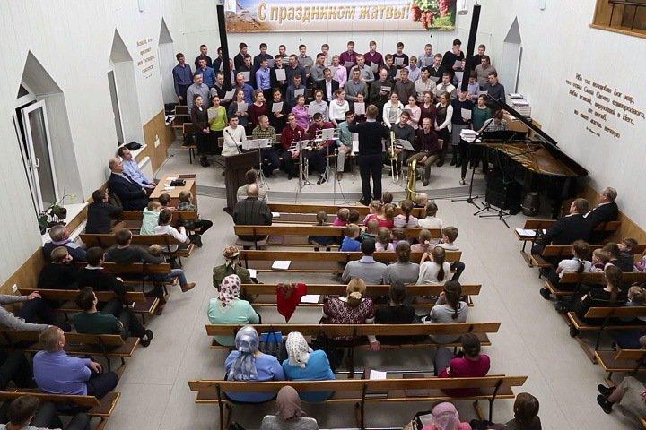 Новосибирская баптистская община, где произошла вспышка кори, прекратила службы