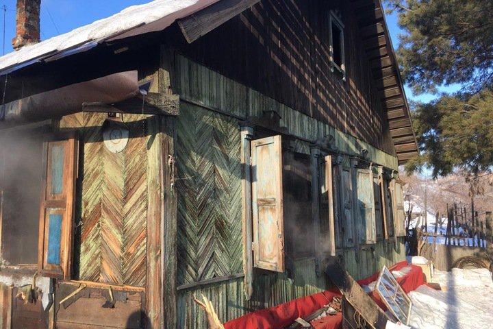 Заперли на щеколду. Ребенок погиб при пожаре в Новосибирске