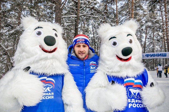 Единороссы отдали Новосибирскую область адвокату Тулеева