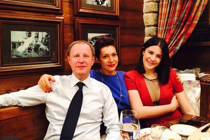 Богатые и знаменитые: первые леди Сибири