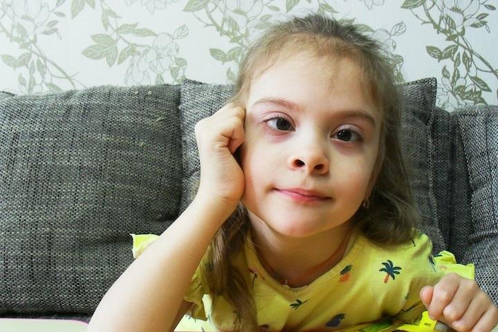 Шестилетней сибирячке с ДЦП нужна помощь в лечении