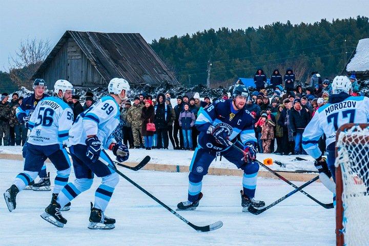 Ледовое побоище в Маслянино. Хоккеисты «Сибири» сыграли на озере