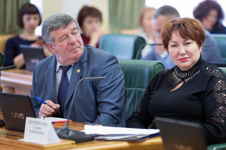 Голосовавший за законы Клишаса красноярский сенатор «не вникал» в них