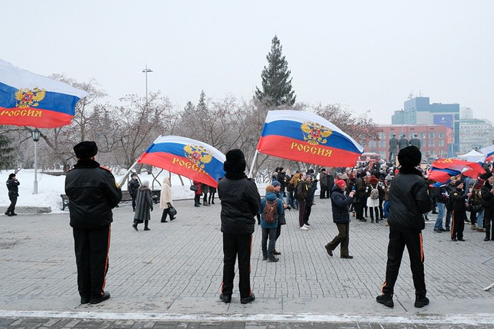 Флажки и ленточки остались: новосибирцы не оправдали расчеты властей на празднование «Крымской весны»