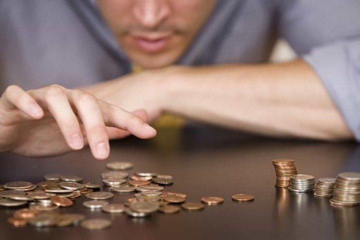 Зарплата падает в Омской области