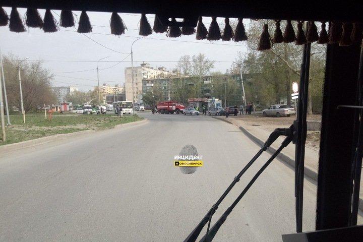 Новая волна «минирований» в Новосибирске. Теперь бомбы ищут в транспорте