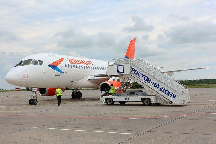 Рейс на Superjet задерживается на восемь часов в Новосибирске
