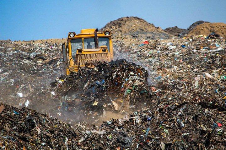 Платим больше, других изменений нет: россияне оценили мусорную реформу