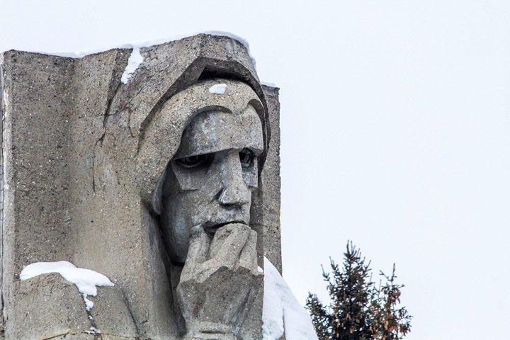 Новосибирский Монумент Славы лишился реконструктора из-за ошибок в документах