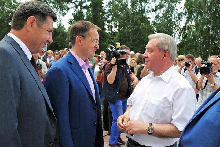 Бывший омский губернатор: протест в Екатеринбурге возник от прихоти богатых людей