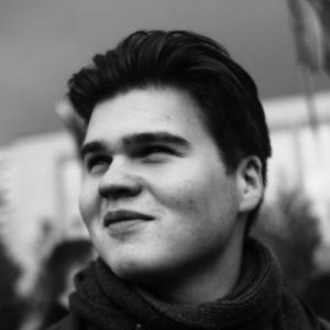 Пунктирная линия с Андреем Травниковым