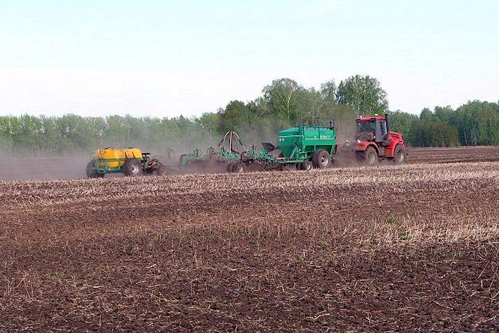 Травникову не понравилось опоздание мэра на обсуждение поддержки сельского хозяйства