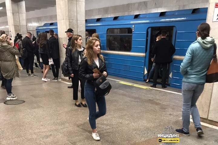 Метро остановлено в Новосибирске