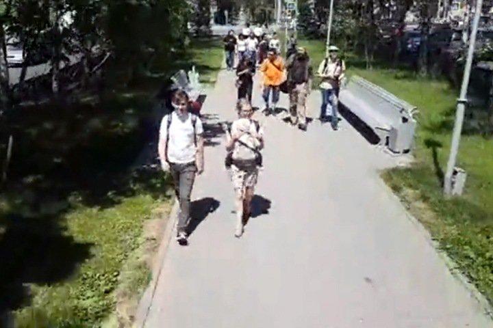Новосибирцы поговорили о деле Голунова на прогулке