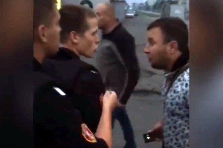 Росгвардейцы не сопротивлялись толкавшим и оскорблявшим их жителям Междуреченска