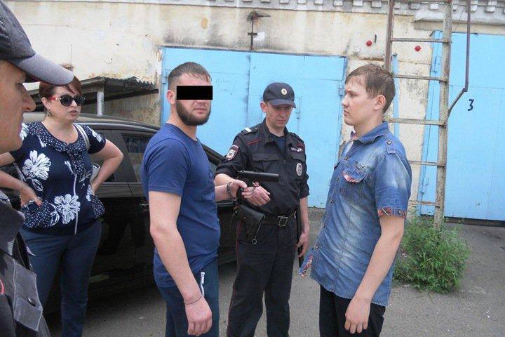 Начальник полиции застрелил мужа подруги в Забайкалье