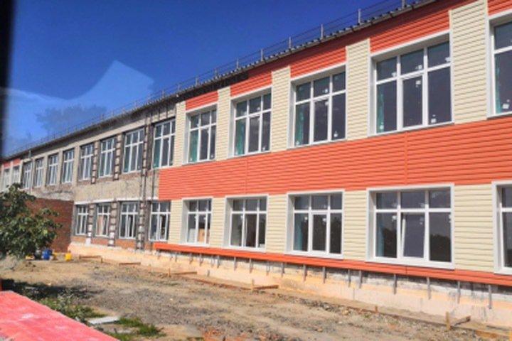 Застройщика обвинили в обрушении школы в Новосибирской области