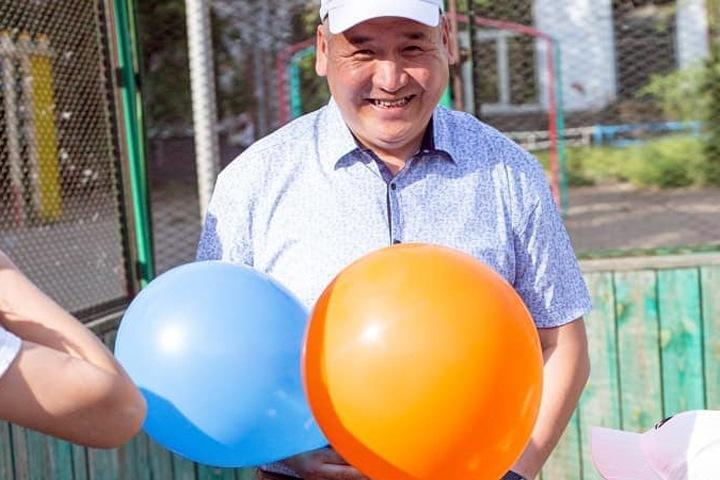 Поставщик Mr.Proper и учебников китайского для школ возглавил горсовет Улан-Удэ
