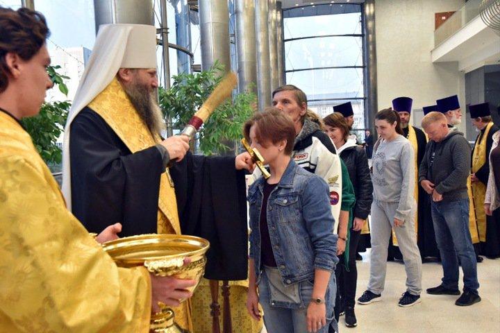Православный «автопоезд» с концертом поехал по Новосибирской области за 3,3 млн из бюджета
