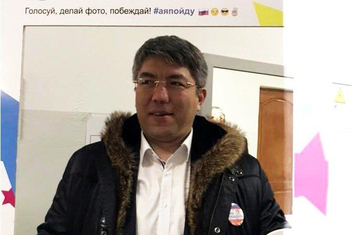 Глава Бурятии улетел из Улан-Удэ во время протестов