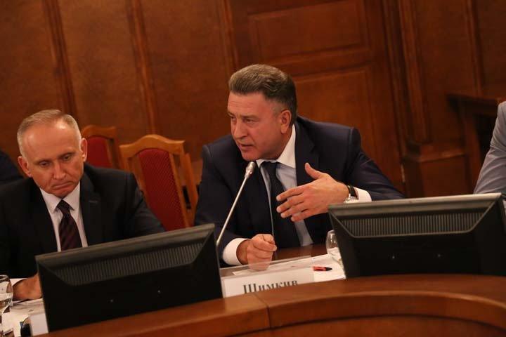 «Два года мы слушаем сказки»: новосибирские депутаты потребовали назвать сроки строительства мусорных заводов