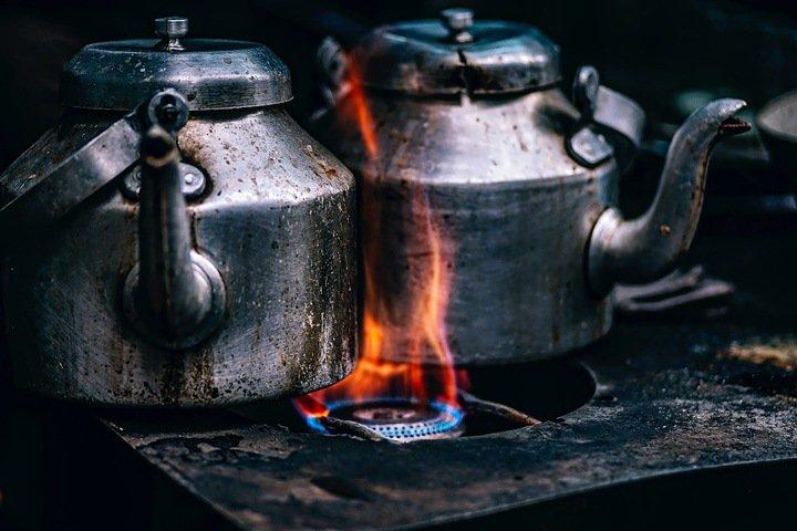 Житель Кузбасса за мат избил до смерти приятеля чайником