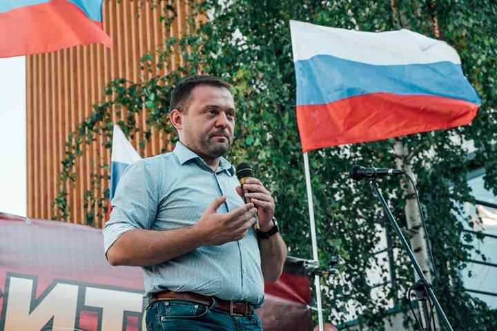 «Месть за позор с дроном»: координатор новосибирского штаба Навального о двух обысках подряд