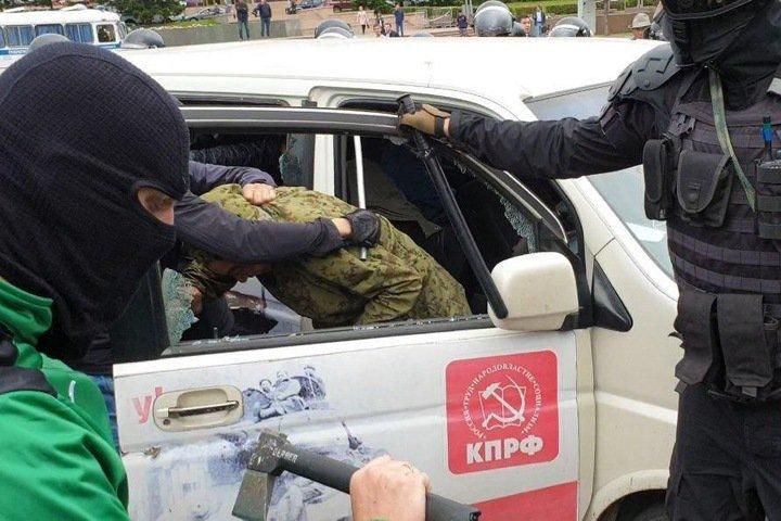 Полиция задержала участника протестов в Улан-Удэ по подозрению в нападении на сотрудника Росгвардии