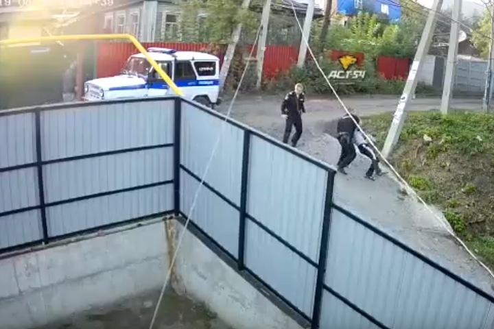 Росгвардеец напал на прохожего в Новосибирске