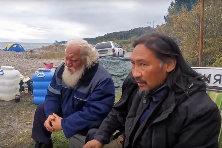 Неизвестные похитили идущего изгонять Путина шамана